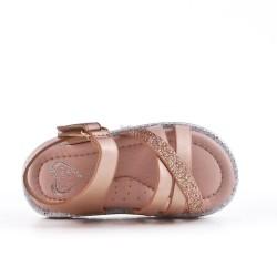 Sandalia para niña con tiras cruzadas