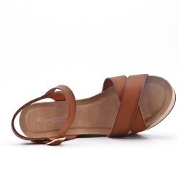Sandale compensée marron en simili cuir