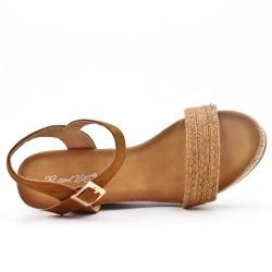 Sandalia de cuña camel