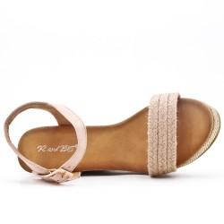 Sandalia de cuña beige