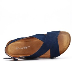 Sandalia confort azul con tacón de cuña