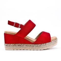 Sandale compensée rouge à semelle tressée