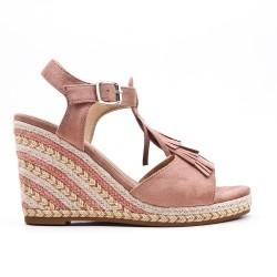 Sandale rouge compensée en simili daim à frange