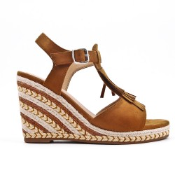 Camel wedge sandal in faux suede with bangs