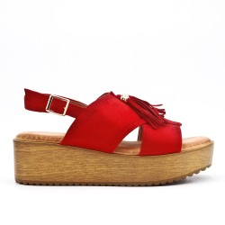 Red fringed sandal with thick sole
