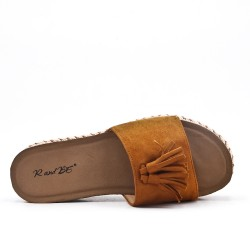 Camel flap in faux suede with pompon