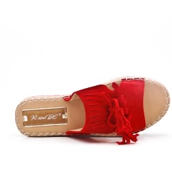 Red flap in faux suede with fringe