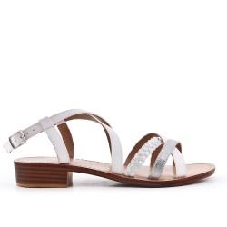 Sandale en simili cuir blanche avec bride tressé