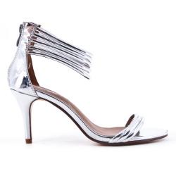 Sandalia plata con tacón patente