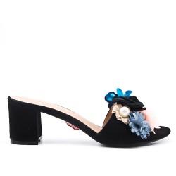 Aleta de confort negro con flor