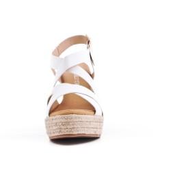 Sandale blanche à talon compensé