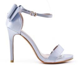 Sandale grise à talon avec nœud au dos