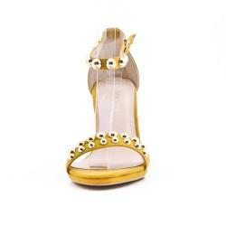Sandalia amarillo con correa de piel sintética