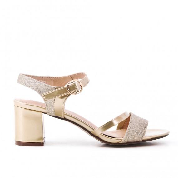 Sandalia oro de tacón alto