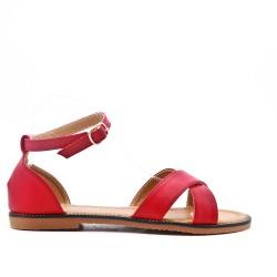 Sandale plate rouge en simili cuir