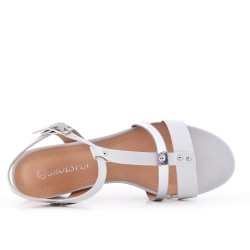 White flat imitation leather sandal with small square heel