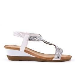 Sandalia blanco con strass y cuña pequeña