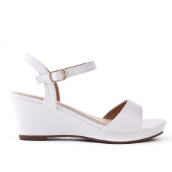 White flat imitation leather sandal with small wedge