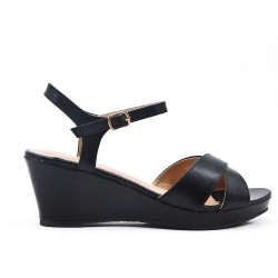 Black flat imitation leather sandal with small wedge