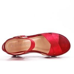 Sandale rouge à semelle compensée