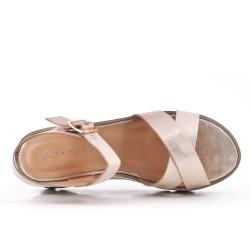 Sandale dorée à semelle compensée