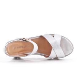 Sandale argent à semelle compensée