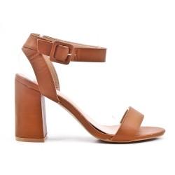 Sandalia de piel imitación camel con tacón