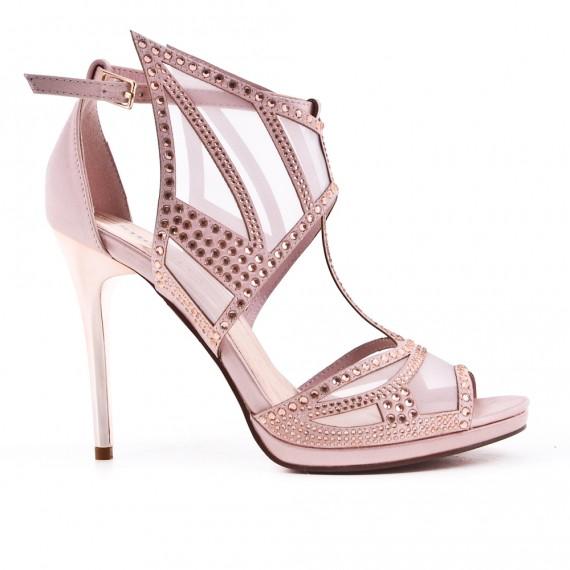 Sandalia de rosa con pedrería de tacón alto
