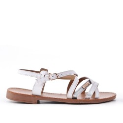 White flat sandal in faux leather