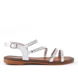 Sandalia plana blanca con diamantes de imitación