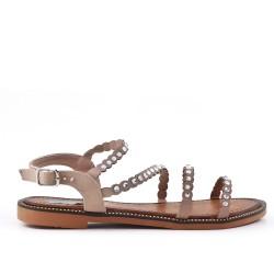 Sandalia plana beige con diamantes de imitación