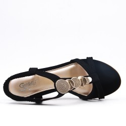 Black sandal with small wedge