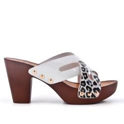 Mula imitación piel leopardo con tacón.