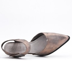 Gray shoe with pointed toe