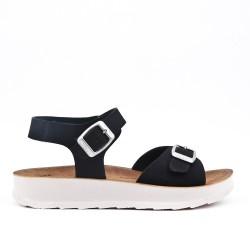 Sandalia negro de confort con tiras abrochadas