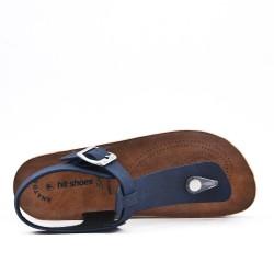 Tanga de sandalia rojo con tiras abrochadas