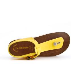 Tanga de sandalia amarillo con tiras abrochadas