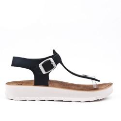 Tanga de sandalia negro con tiras abrochadas