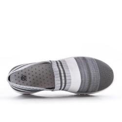 Basket en toile grise à enfiler