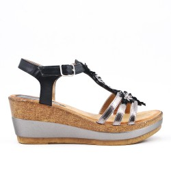 Sandale compensée noire à fleurs