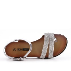 Sandale plate argent orné de strass