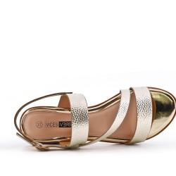 Talla grande -Sandalia oro de confort en piel sintética con tacón pequeño