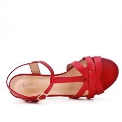 Sandalia rojo en gamuza sintética con tacón
