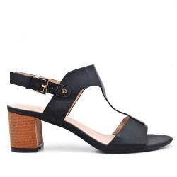 Sandale noire en simili cuir texturé à talon