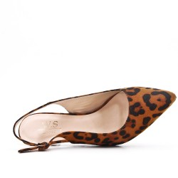 Available in 5 colors- Heel suede pumps