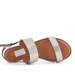 Sandalia plana oro en piel sintética