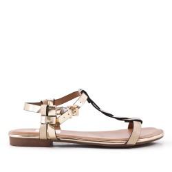 Golden flat sandal in faux leather