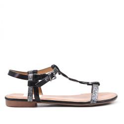 Black flat sandal in faux leather