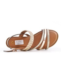 Sandalia de piel sintética oro con brida trenzada