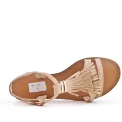 Sandalia de gamuza sintética beige con flequillo